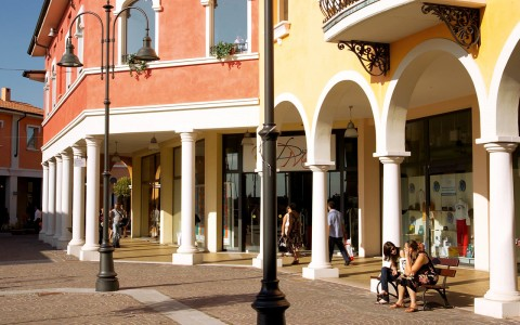 Mantova Outlet Village italien
