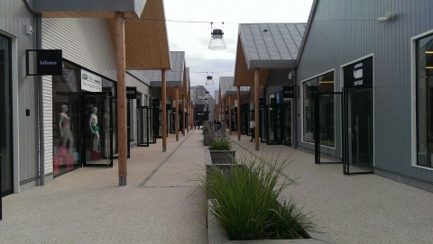 Aubergenville outlet